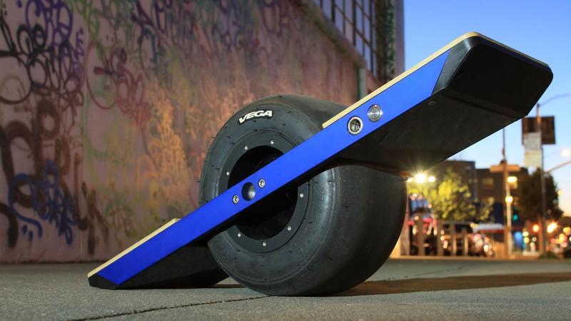Onewheel — самобалансирующийся одноколесный электромеханический скейтборд. Простыми словами — новая