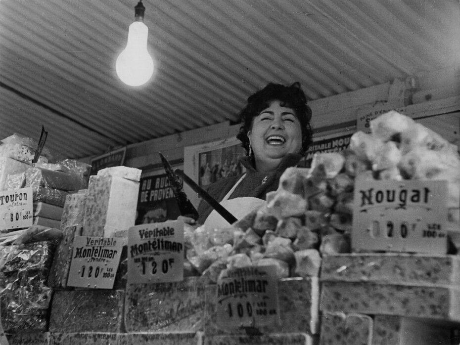 1950. Торговка нугой, Париж