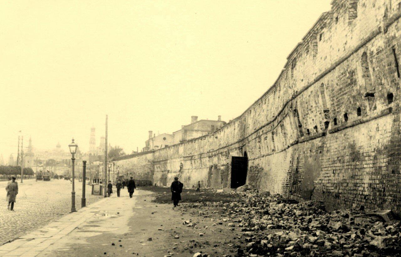 1921. Китайгородская стена вдоль Москворецкой набережной