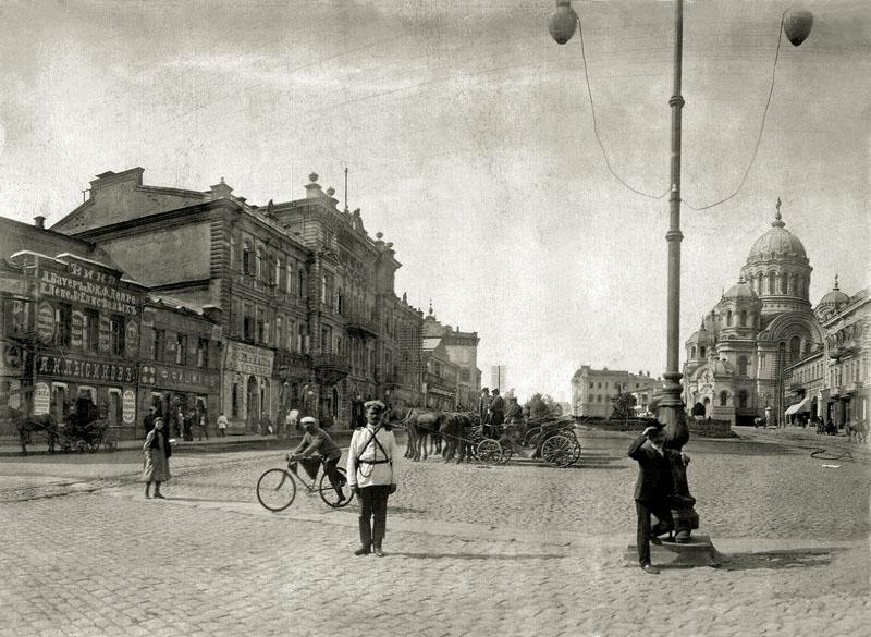 1896-1900 Харьков Николаевские площадь и собор Василий Досекин.jpg