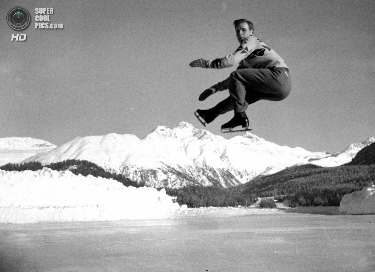 Швейцария. Санкт-Мориц, Граубюнден. 19 января 1948 года. Легендарный фигурист Дик Баттон из США на п