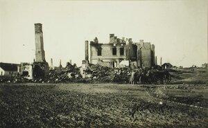 Вид части галицийской деревни, разрушенной артиллерийским огнем.