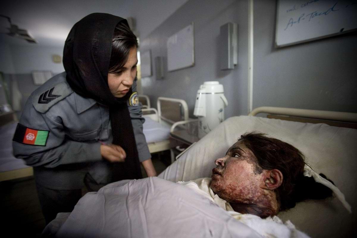 Афганские женщины из спецподразделений МВД Афганистана: картинки из жизни (26)
