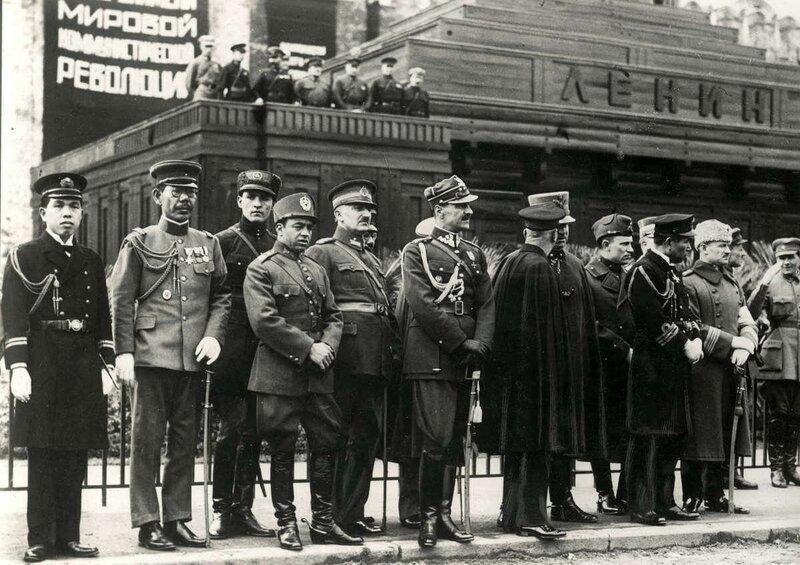Военные атташе на Красной площади