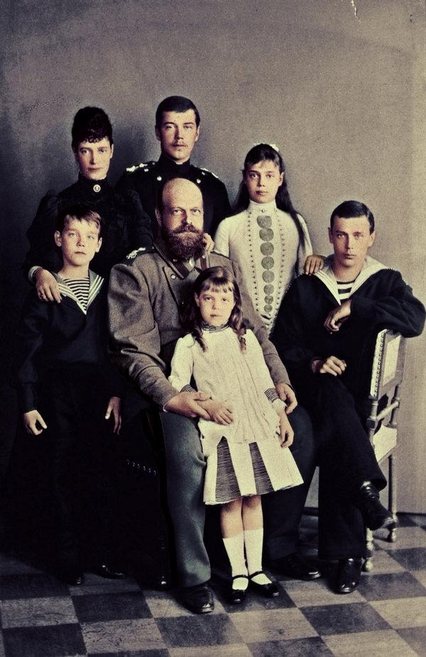 alexander_iii_family_photograph_c__1889_by_kraljaleksandar-d5twdae.jpg