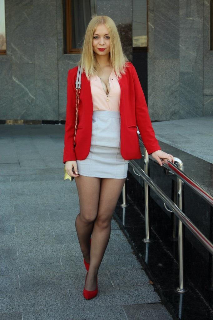 Блондинки в юбках