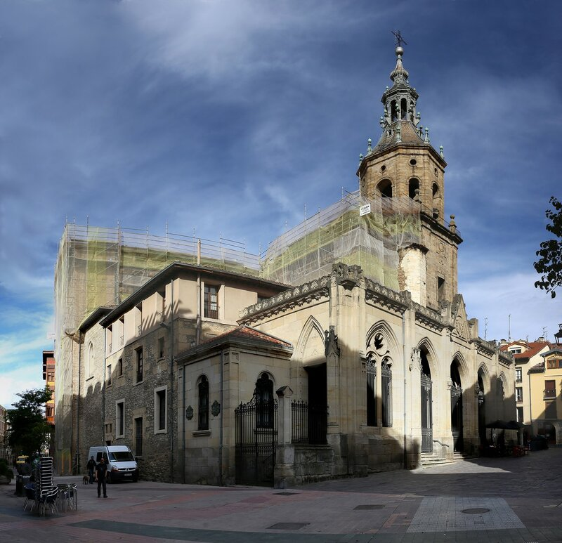 Виториа-Гастейс. Церковь Апостола Петра (Iglesia de San Pedro Apóstol)