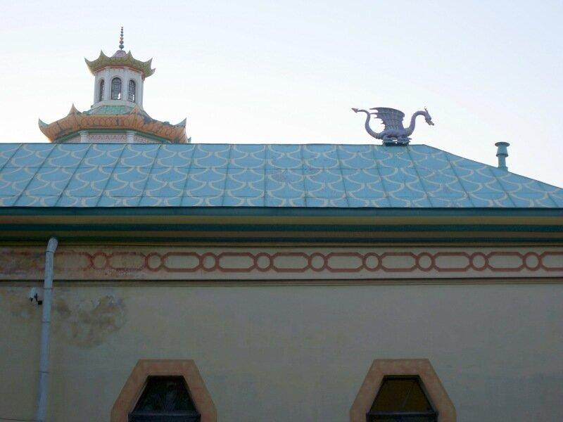 Дракон на крыше