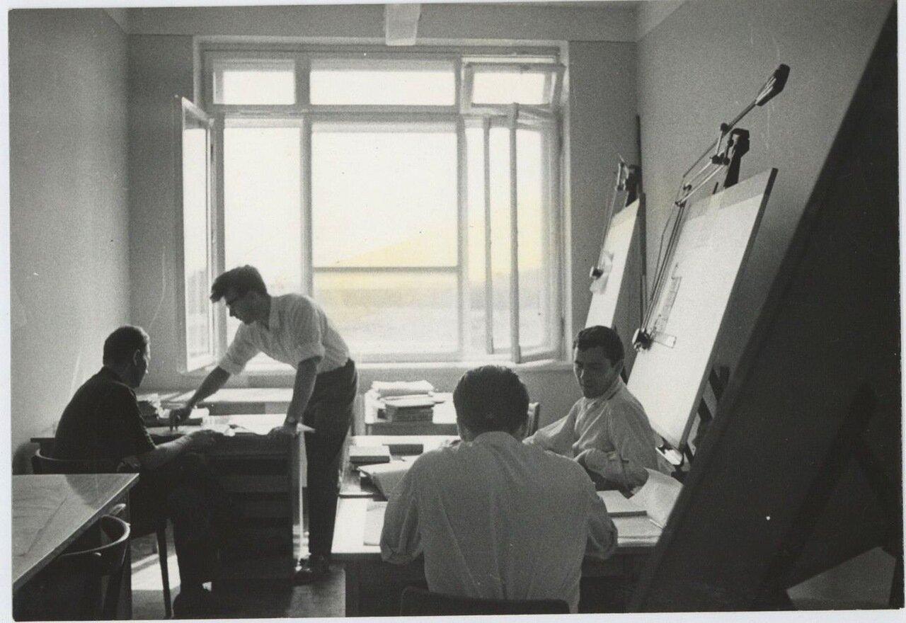 В проектном бюро