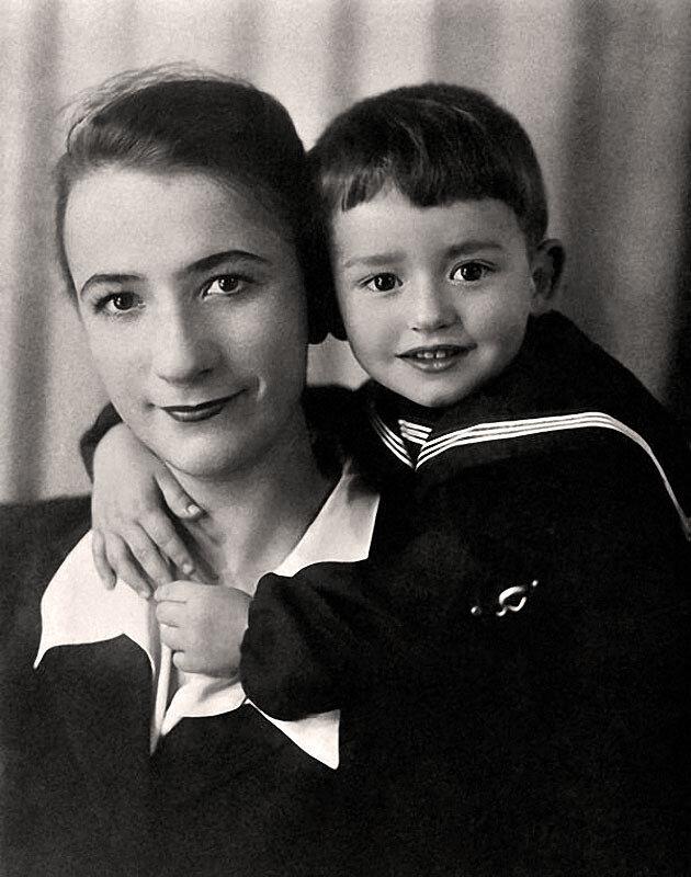 1126 Саша Градский с мамой Тамарой Павловной.jpg