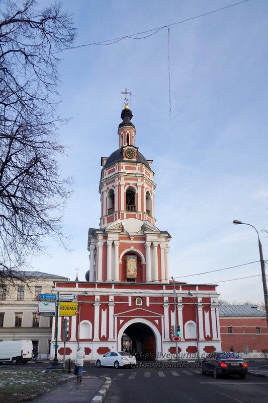 Надвратная колокольня с церковью праведных Захарии и Елисаветы Донского монастыря, Москва