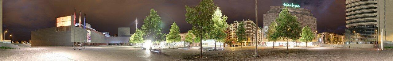 Pamplona. Baluarte square (Plaza del Balurate, Pamplona)