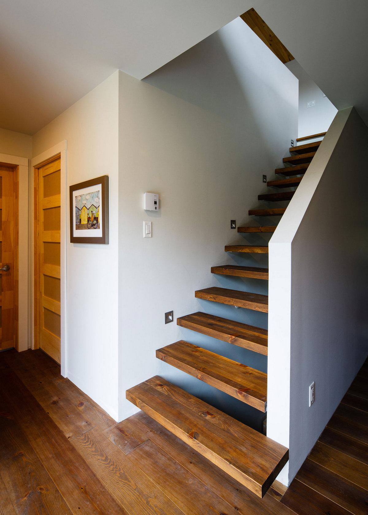 дома в Больтон-Эст, особняки в Канаде, частный дом в Канаде, элитная недвижимость Канада, обзор частных домов, небольшой частный дом фото, Boom Town