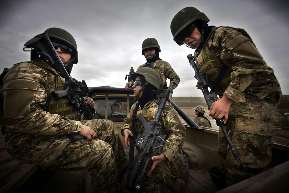 Афганские женщины из спецподразделений МВД Афганистана: картинки из жизни (5)