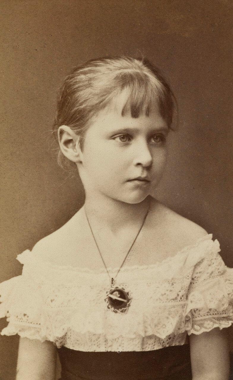 1877.  Принцесса Виктория Алиса Елена Луиза Беатриса Гессен-Дармштадтская