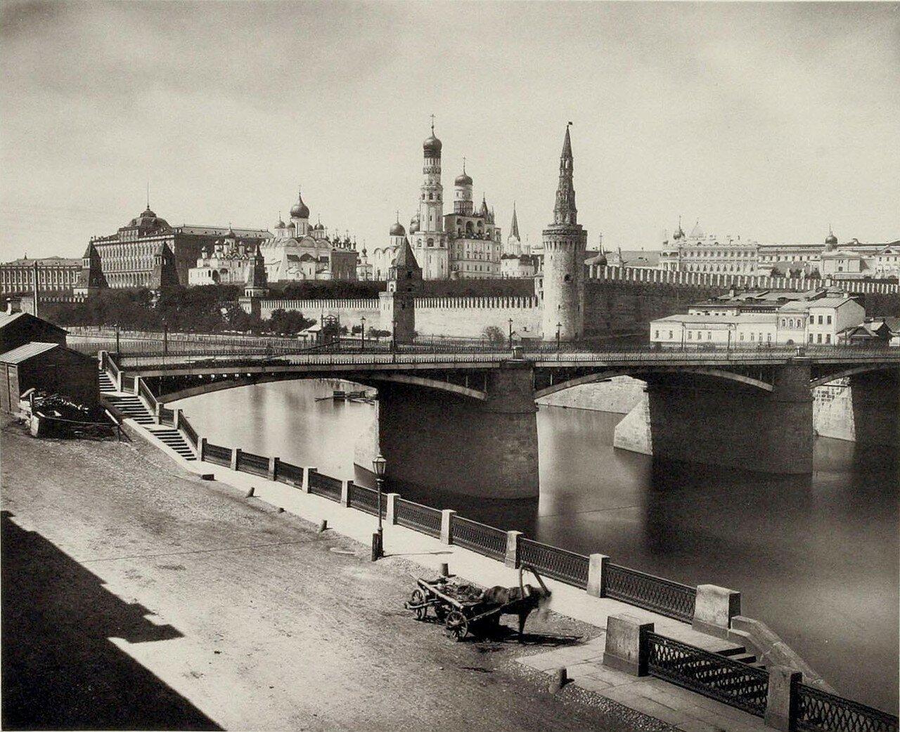 333. Кремль. Вид с Замоскворецкой набережной