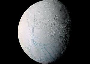 NASA: На спутнике Сатурна находится огромный океан
