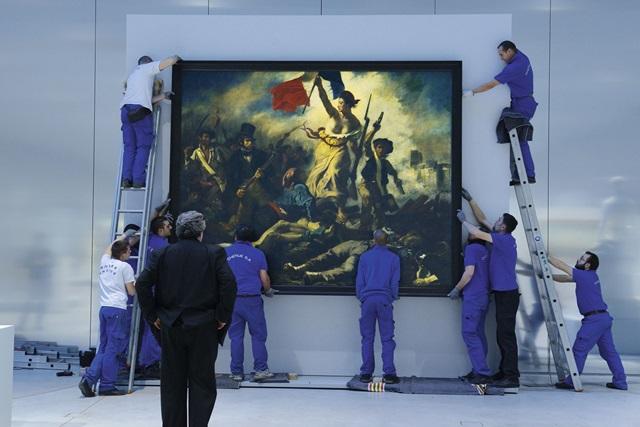 Знаменитую картину изрисовали маркером в Лувре. Фото 0 11b080 8c549172 orig