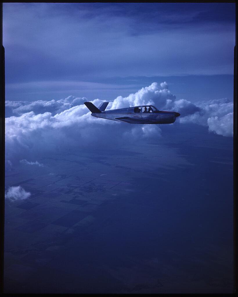 Beech Bonanza 35 (rn NX80040) in flight
