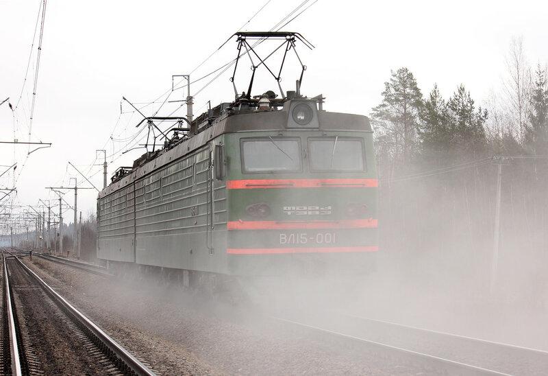 ВЛ15-001 на станции Стекольный