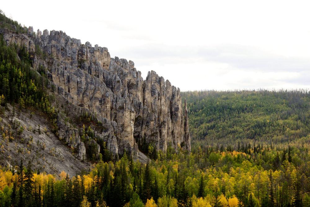 Ленские столбы — геологическое образование и одноимённый природный парк в России, на берегу реки Лен