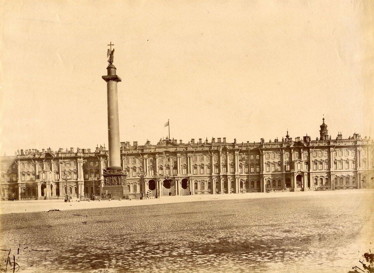 21. Александровская колонна на Дворцовой площади