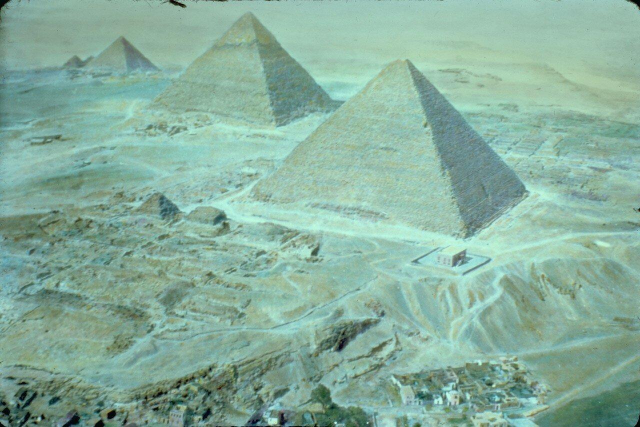 Гиза. Вид Пирамид с воздуха. 1950