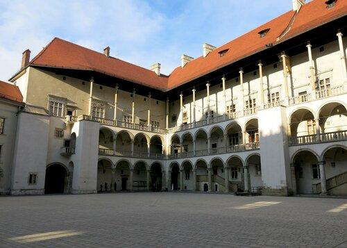 Королевский двор Вавельского  замка в Кракове