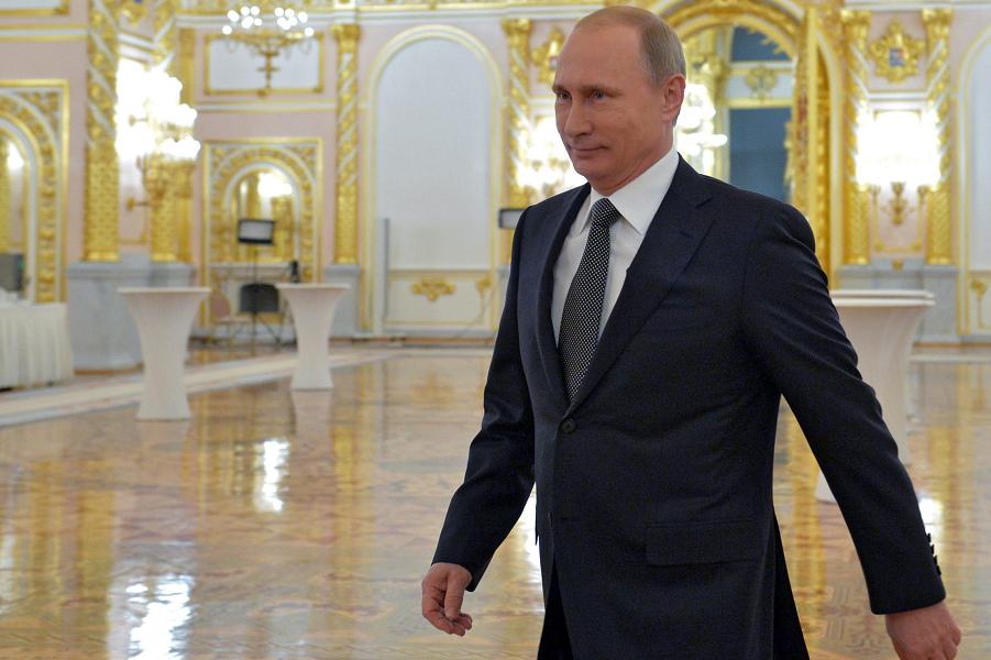Путин в Кремле.png