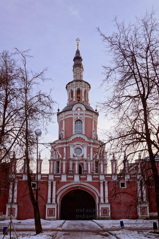 Надвратная церковь Тихвинской иконы Божией Матери Донского монастыря, Москва