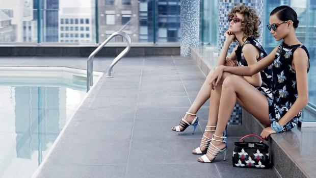 Бинкс Уолтон (Binx Walton) и Линдси Виксон (Lindsey Wixson) в рекламной фотосессии для Fendi (12 фото)