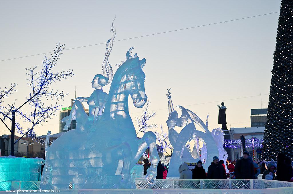 Фотография 7. Интересные косички (AF-S DX Zoom-Nikkor 17-55mm f/2.8G IF-ED, 1/20 сек, 0 eV, приоритет диафрагмы, f/3.2, 38 мм, ISO 100). Ледовый городок в Екатеринбурге 2015