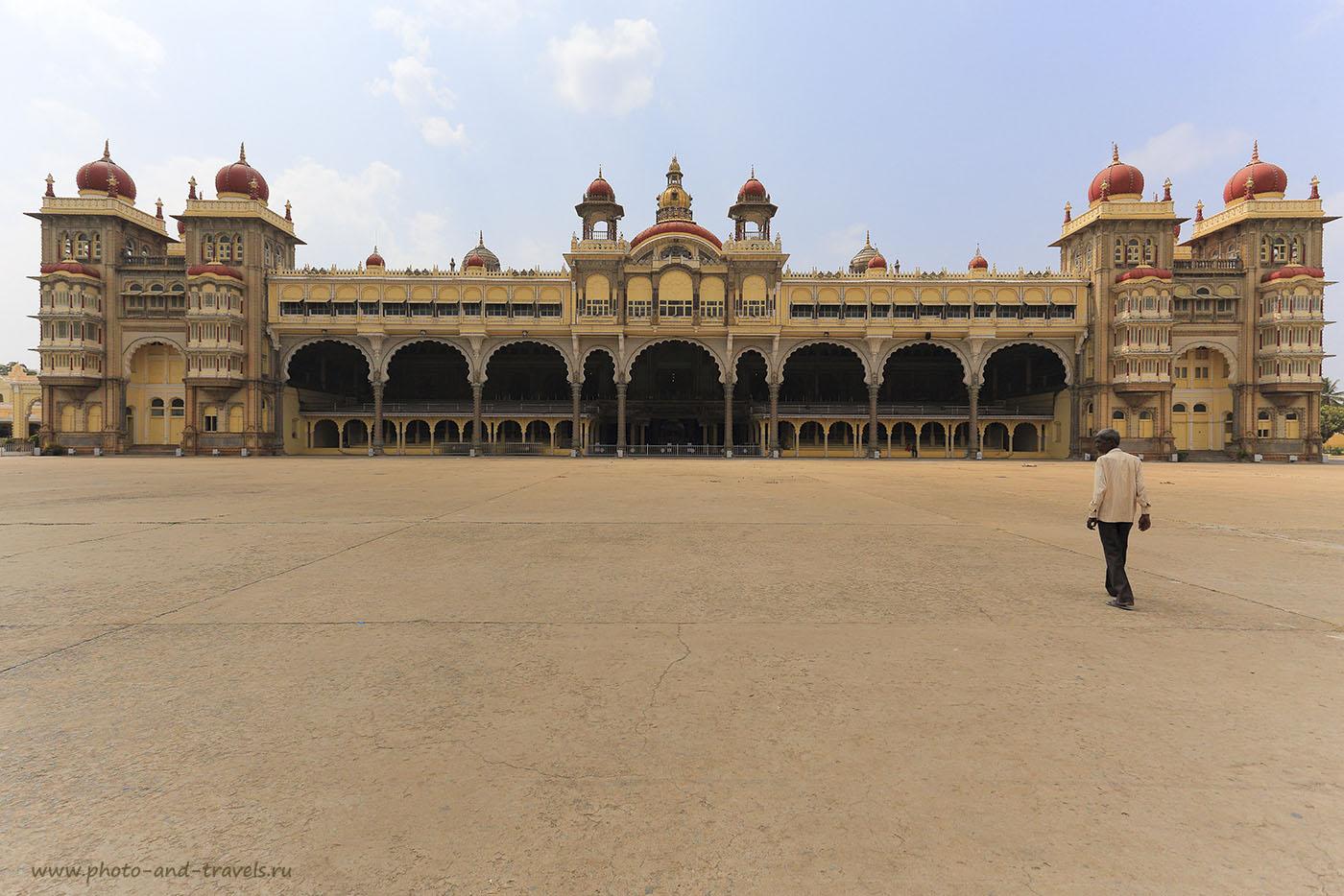 Фотография 10. Фасад Майсурского дворца Амба Вилас. Отчеты туристов о поездке в Индию. Путешествие по штату Карнатака. 1/250, -1, 9.0, 100, 17