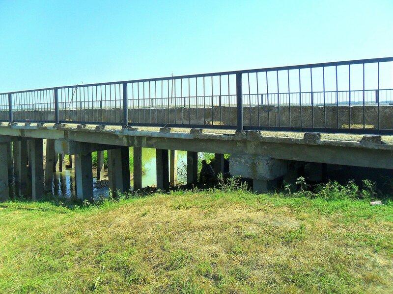 У моста... SAM_3552.JPG