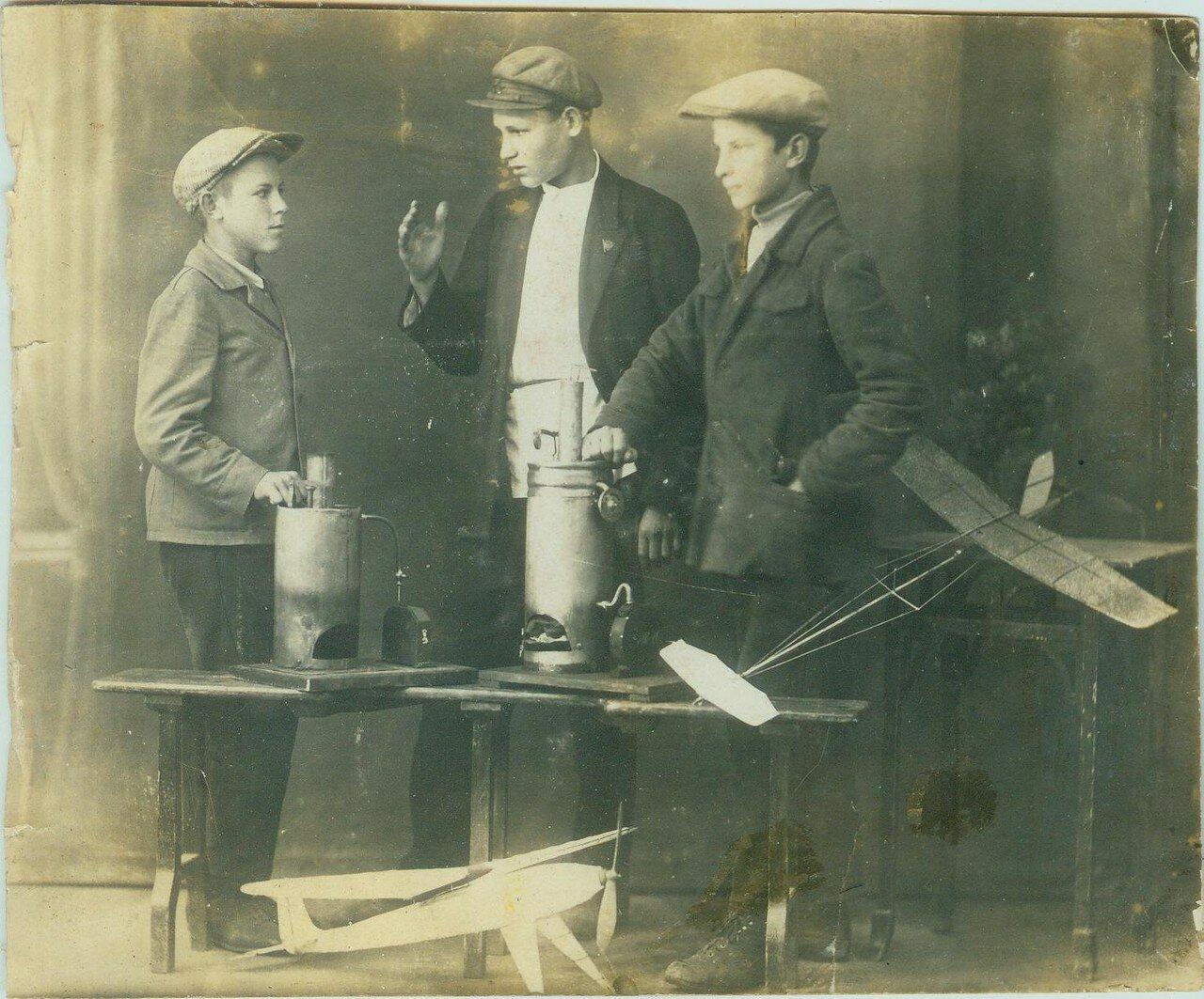 1935. Авиакружок