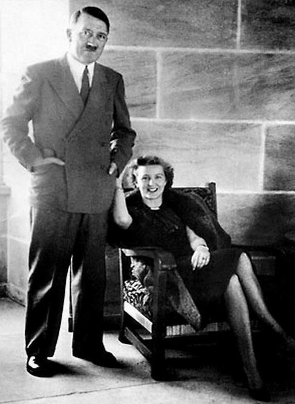 Гитлер и Ева Браун. 1943 г.