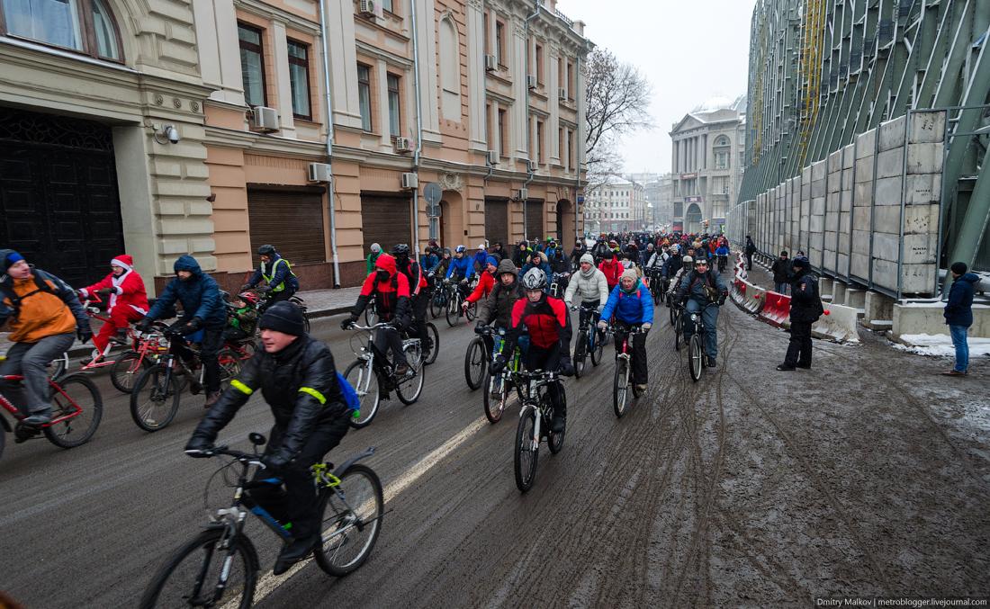 Первый зимний велопарад в Москве