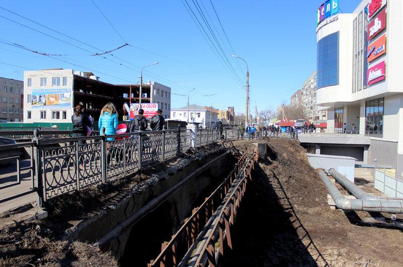 Улица Базарная. У ТРЦ