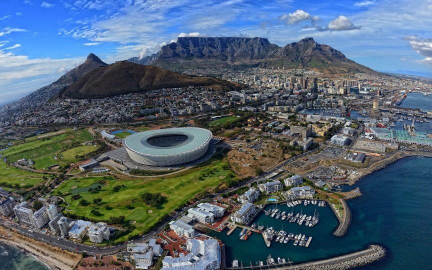 Кейптаун — столица провинции Западный Кейп и второй по численности населения город в ЮАР. Но,