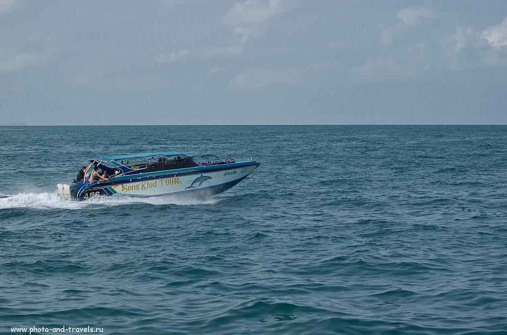 9. Скоростная моторная лодка (Speed Boat) в Таиланде. На ней можно добраться с пирса Бали Хай до острова Ко Лан за считанные минуты. Камера - Nikon D5100 body. Объектив - Никкор 70-300. Настройки: 1/1600 сек, приоритет диафрагмы, f/4.5, 70 мм, 250