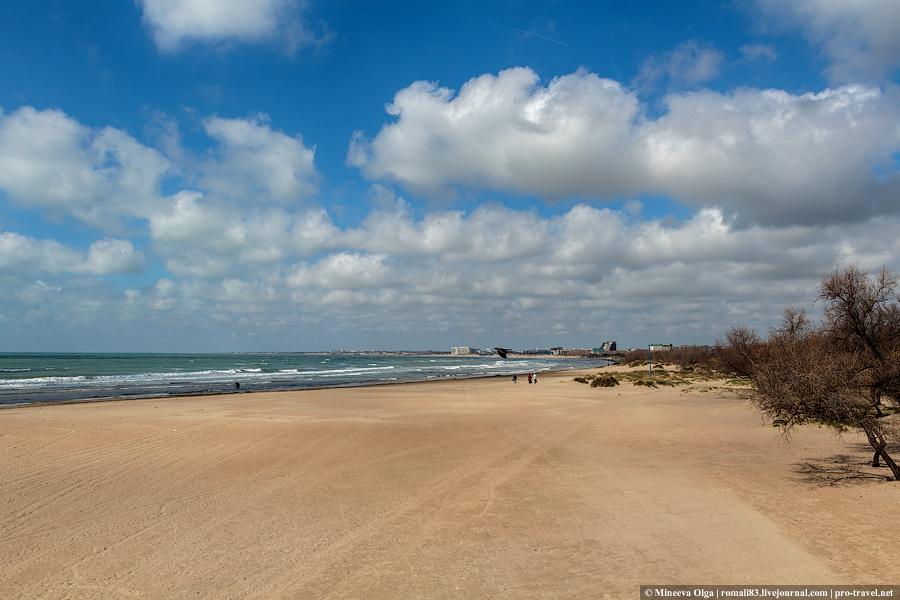 Анапа, пляж весной