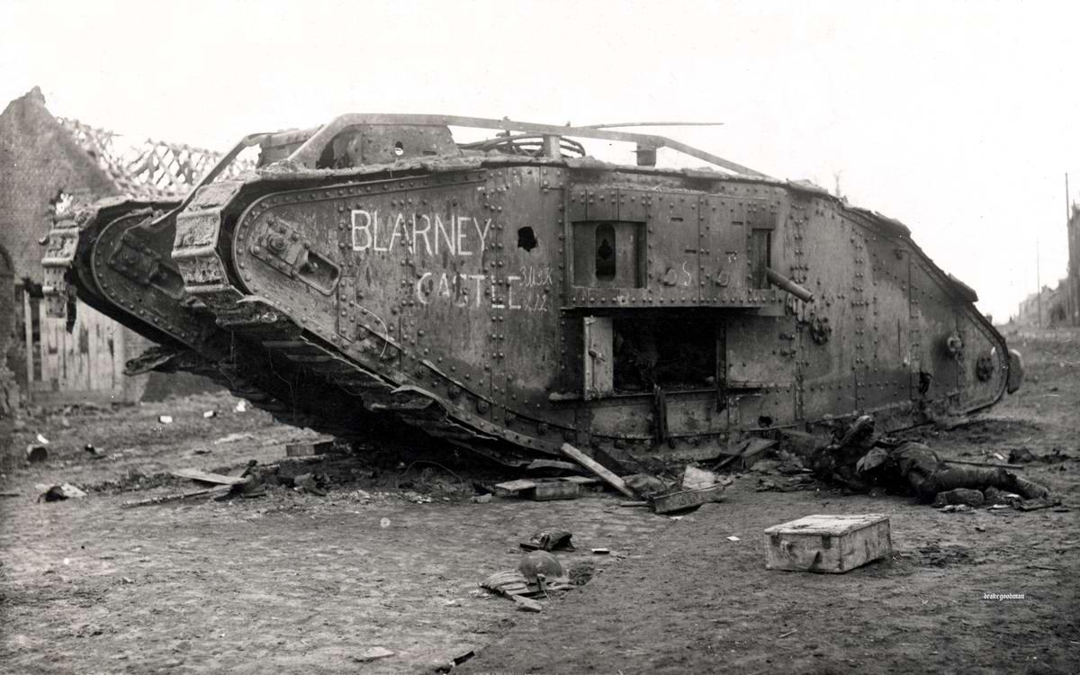 Подбитый британский танк Mark IV