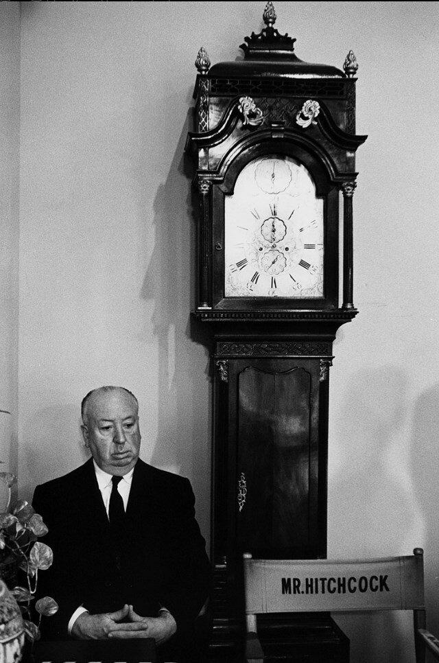 1964. Альфред Хичкок на съемках «Марни» на студии Universal