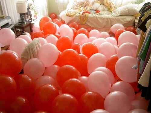 Комната с воздушными шарами