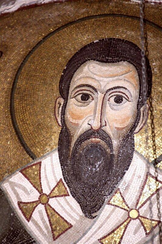 Святитель Василий Великий. Мозаика монастыря Осиос Лукас (Преподобного Луки), Греция. 1030 - 1040-е годы.