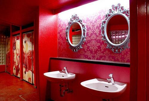 Необычный фестиваль в Японии, посвященный туалетам
