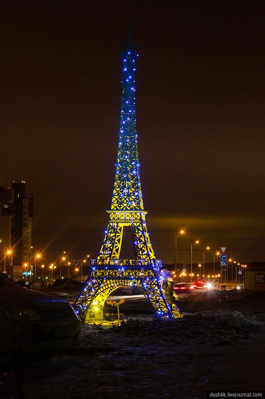 Высота челябинской Эйфелевой башни - чуть больше 4 метров (26.11.2014)
