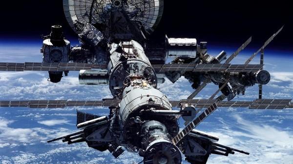 НАСА: Выход экипажа МКС вкосмос закончился преждевременно, основные ремонтные работы окончены