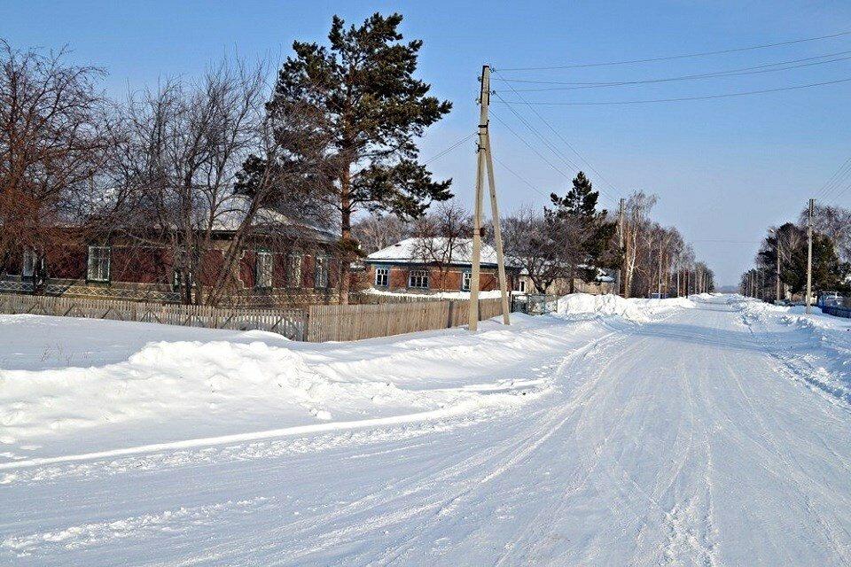 зимняя деревенская улица