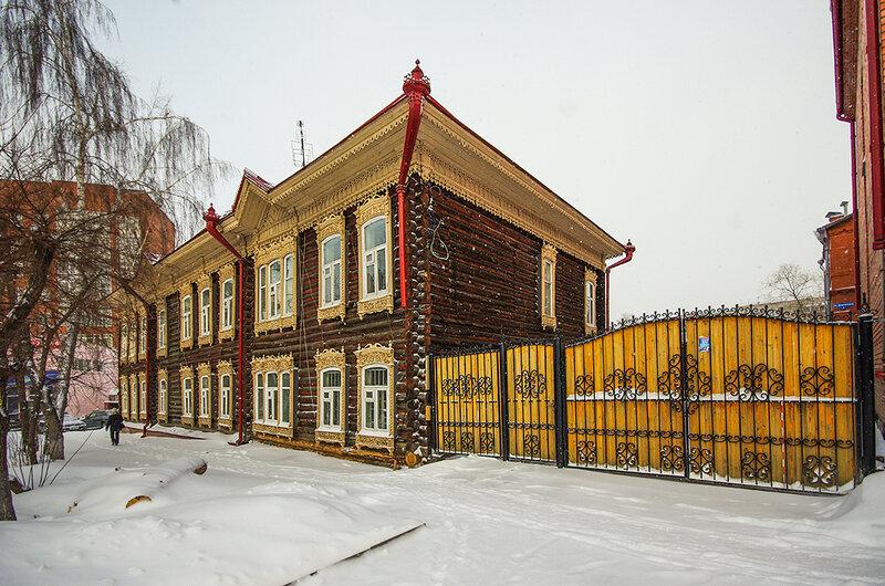 По Томску